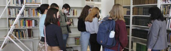 Visita de los estudiantes internacionales de la Universidad de Minnesota para conocer las renovadas instalaciones de la FOM